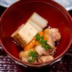 鳥田中 - 七谷赤地鶏のすき焼きひと口