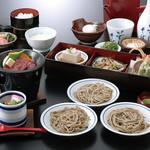 出石 城山ガーデン - 入佐御膳(2,400円)牛ステーキ鉄板焼きに、天ぷらと麦とろろ、皿そばも付いた満足コース。