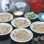 出石 城山ガーデン - 出石皿そば(840円)伝統の出石皿そば。宝永3年(1706年)に信州より伝来したという出石皿そば。