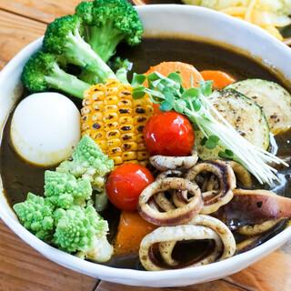 スープカレー トムトムキキル - 料理写真: