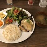 155752162 - nappa ごはんプレート(魚料理) ドリンク付きで@1,320円