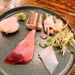 ワインと日本酒のお店 ル ジャングレ - お刺身の盛り合わせ(千葉のカマス、瀬戸内のハモ、北海道のつぶ貝、鳥取の剣先イカ)