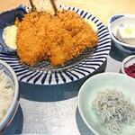 魚金醸造 - 新鮮な鯵をサクサクのフライに!