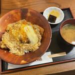 五合庵 - かつ丼 950円