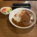 つち井 - 料理写真:チキンカツカレー ¥900