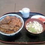 15580817 - 豚丼(上)・バラ・ロースハーフ