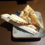 産直屋 たか - 鍋に入れる松茸