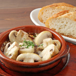 IBIZAバル - スペイン料理はやっぱりアヒージョ♪