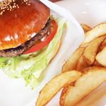 シービーバーガーアンドステーキ - ハンバーガー(650円)