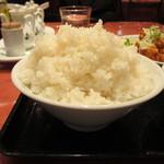 紅虎餃子房 - ご飯大盛アップ