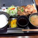 金牛 - 焼肉と唐揚げ定食ダー