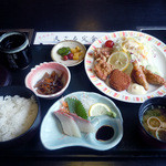 さんぞくや - 「日替り定食」700円(ランチ限定80食)