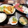魚住 - 料理写真:特別定食(刺身盛合せ+ミックスフライ)    ¥1,000-