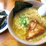 らーめん初代 - 料理写真:白たまり醤油_940円、チャーマヨ_80円