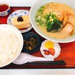 れすとらん ココット - ラーメン定食(800円)