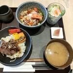 TSUBAKI食堂 - ハーフ&ハーフ丼