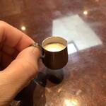 星乃珈琲 - 【「彦星ブレンド(コーヒー)」に付いてたミルク】まるでミニチュア作品のよう