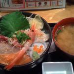 鮪市場 - 海七丼