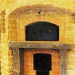 ラトリエ・デュ・パン - 石窯で焼いたパンは、外側の皮は薄くパリッと、内側は水分を保ったままふっくらと焼き上がります。