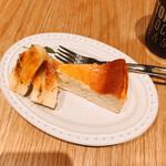 TOKYO L.O.C.A.L BASE  - バナナチーズケーキ