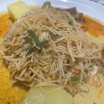 モナラ - 米粉の麺は炒めてあります