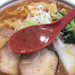 ラーメンハウス・パティーネ - 澄んだ煮干し系スープ