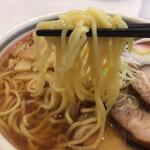ラーメンハウス・パティーネ - 麺 リフトアップ