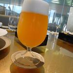 アルマーニ リストランテ銀座 - なんとか穂の香 白濁ビール 1200円はちと高い・・