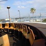 座々丸 - 二階のテラス席からの眺望は抜群に良い!