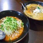 さすけ - 料理写真:冷やし担々麺(左)& 担々麺