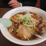 一風亭 - 醤油ラーメン+げんこつ(510円+420円)