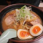 一風亭 - 味噌ラーメン+げんこつ+卵(610円+420円+100円)