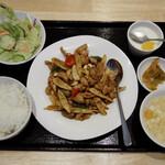 ペキンカォヤーテン - 鶏肉とカシューナッツ炒め定食