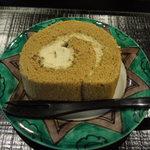 実生 - 棒茶ロールケーキ