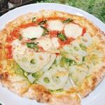 エンボカ - ピザ(マルゲリータ&れんこんのハーフ&ハーフ)