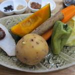 トンタン茶房 - 蒸し野菜アップ