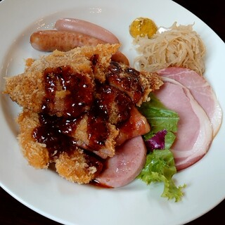 シュトゥーベン・オータマ - 料理写真:TOKYO-Xランチ(税込1540円)