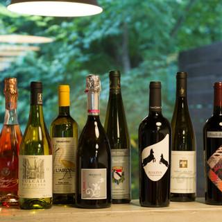 イタリアワイン他、種類豊富にそろえております