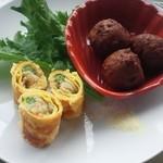 Haihaitenzankaku - 紫苑ランチ940円の玉子春巻と肉団子の2種盛