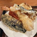 156097250 - 天ぷら定食(ナス、カニカマ、エビ、海苔、かき揚げ)