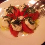 1561291 - 2009/05 モッツァレラチーズとトマトのカプレーゼ Caprese 1,200円