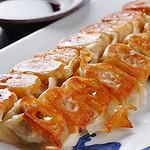もつ彦 - 博多でてっぺんとっています。焼餃子。