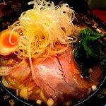 濃豚骨醤油ラーメン 馬力屋 - 馬力スペシャル:750円