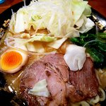 濃豚骨醤油ラーメン 馬力屋 - 農園スペシャル:750円
