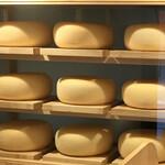 九十九ラーメン - 十勝ゴールデンゴーダチーズ