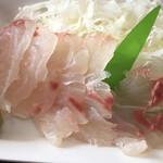 フラミンゴ - ぷりっぷりのヒラメのお刺身。