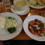 スリランカレストラン&カフェ LAMP - ビーフデビルとライス。料金は別です。