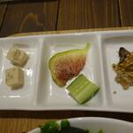 繭久里カフェ - 高野豆腐や切り干し