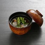 Sushi&Bar 琴 - 記念日コースのお椀(※仕入れの状況により、お写真と内容が異なる場合がございます。お問い合わせ下さい)