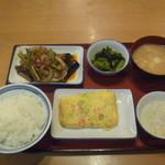 醍醐町食堂 - 料理写真:全部で853円 玉子焼きクーポン使用